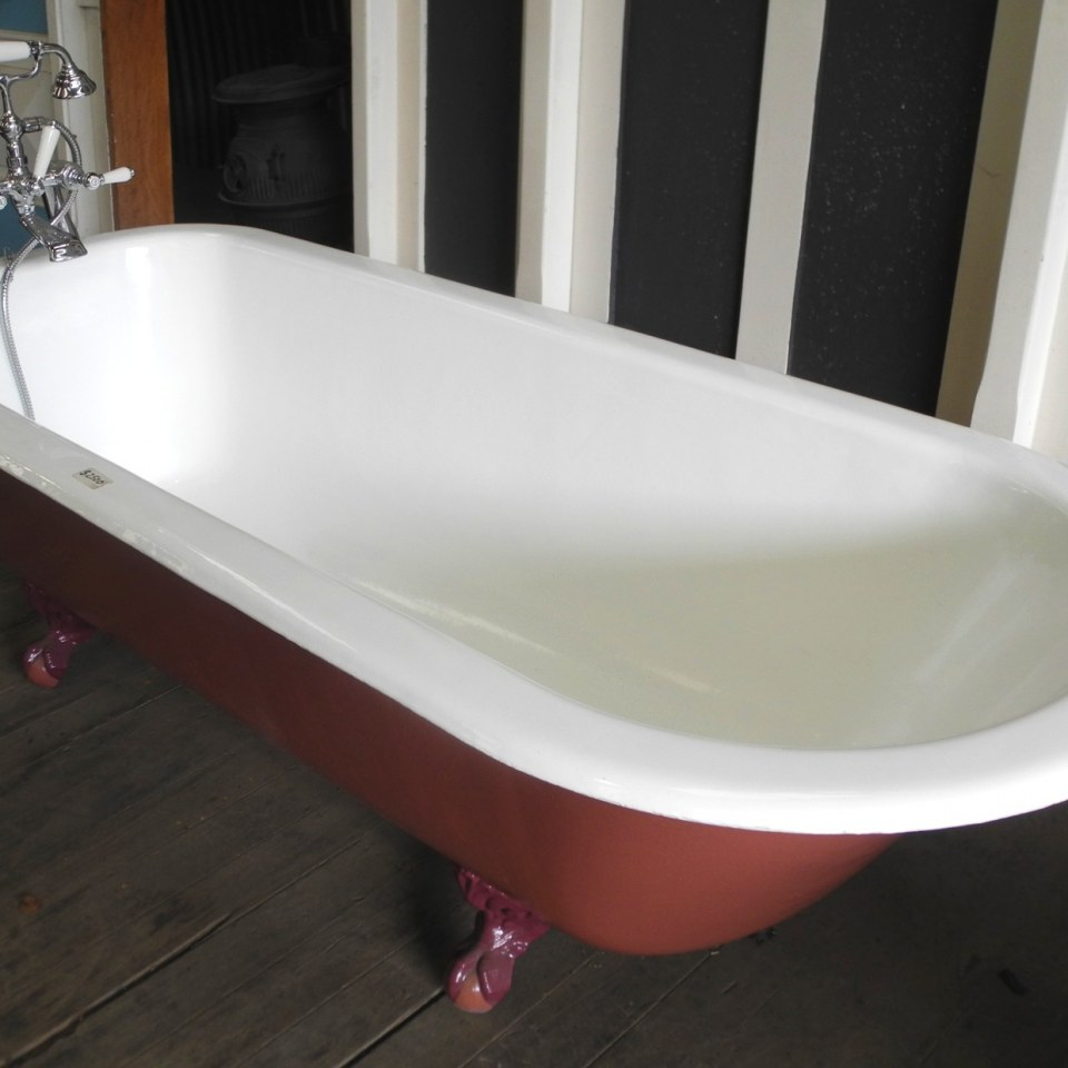 Claw Foot Bath 750 x 1850