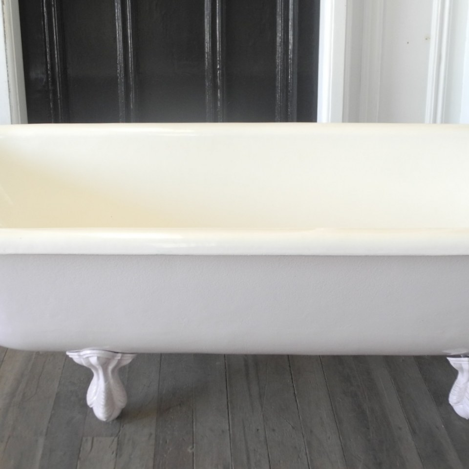 Claw Foot Bath 720 x 1800